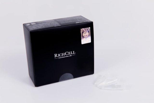 当院が使用している、培養液超高濃度60%以上配合の製品(RICH CELL)の画像。